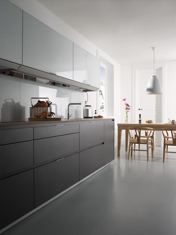 Umbra santos muebles de cocina for Cocina de madera antracita