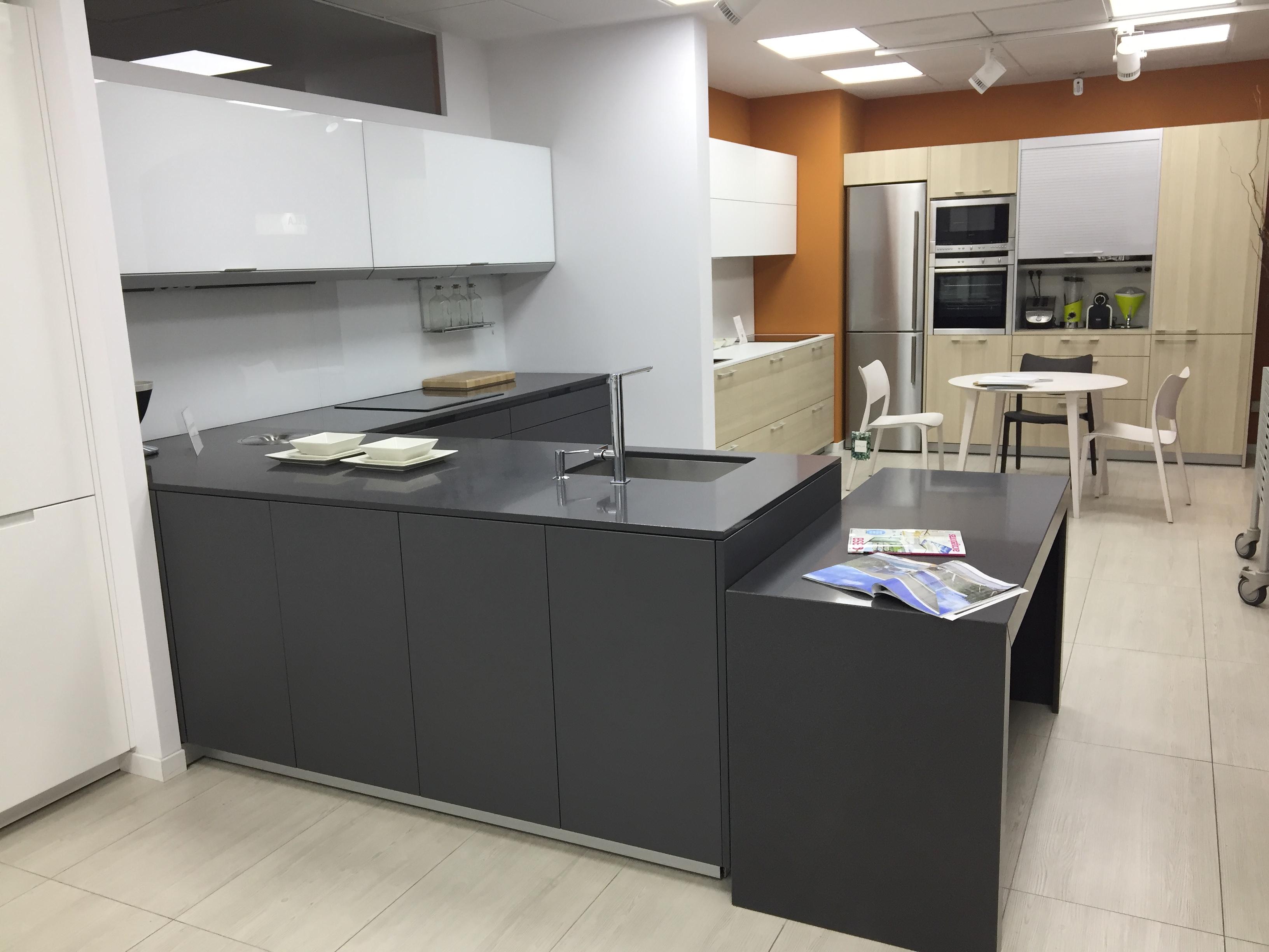 COCINAS EXPOSICION INTRA GRIS - Santos muebles de cocina